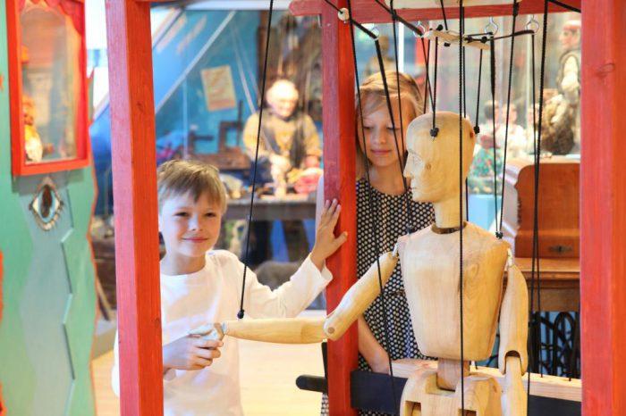 Das Mitteldeutsche Marionettentheatermuseum in Bad Liebenwerda erzählt die 250 Jahre alte Geschichte der sächsischen Wandermarionettenspieler. | Foto: LKEE/Kai Hüttner