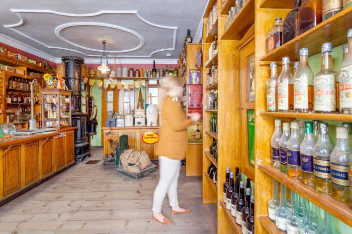 Der original eingerichtete Finsterwalder Kaufmannsladen von G. F. Wittke ist das Urbild eines Tante-Emma-Ladens. | Foto:  LKEE/Andreas Franke