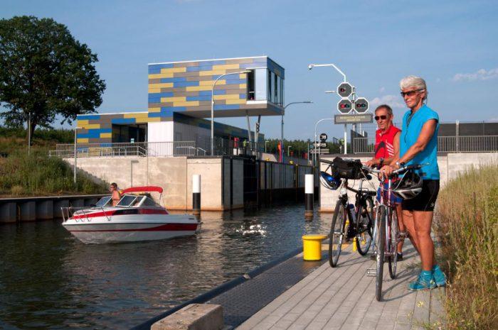Die Seenland-Route führt Sie entlang zahlreicher Seen.   Foto:  Tourismusverband Lausitzer Seenland/Nada Quenzel