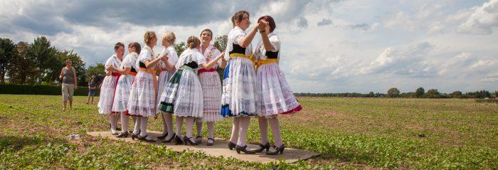 Musik, Tanz und Trachten gehören zu den traditionellen Veranstaltungen im Spreewald einfach dazu. Foto: Peter Becker