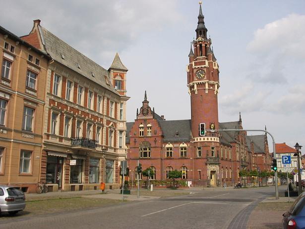 Der Historische Stadtkern von Dahme/Mark mit dem Rathaus.  | Foto:
